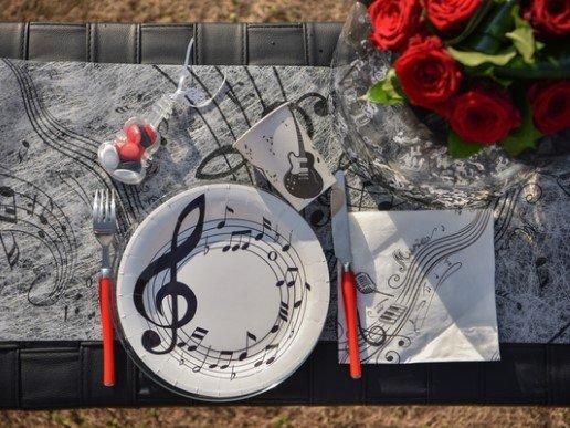 Musical Notes Large Paper Plates (10pcs)