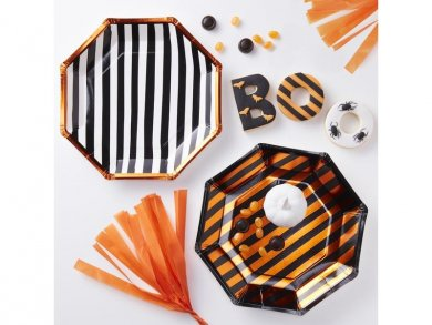 Halloween foiled paper plates in 2 designs 8/pcs